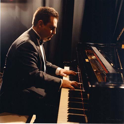 Γιώργος Κωνσταντινίδης